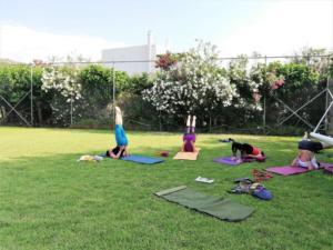Yoga_Fußballplatz
